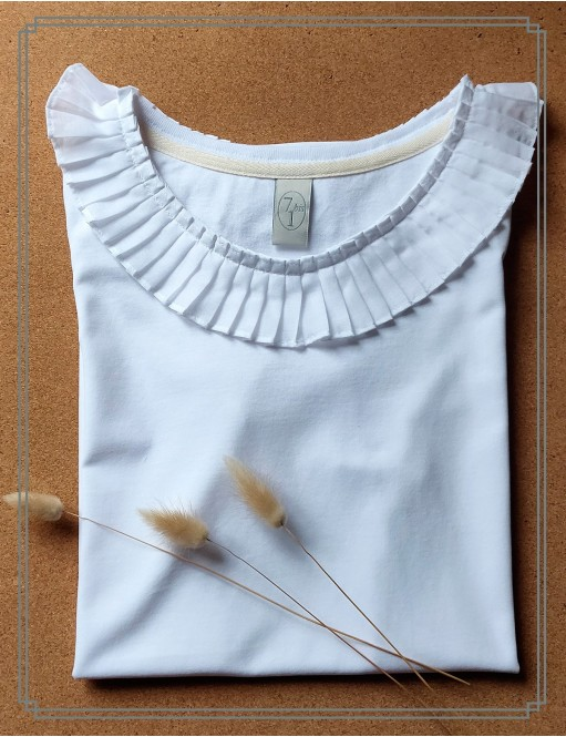 T-shirt ruffles white